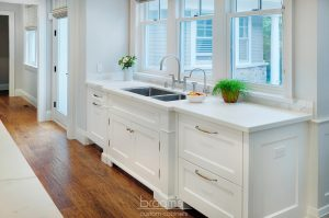 Eastgate white and wood transitional kitchen05