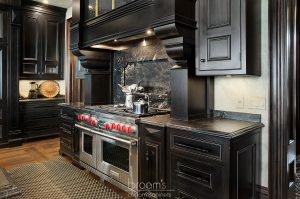 Lakehore TL black kitchen with gold accents 05