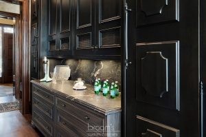 Lakehore TL black kitchen with gold accents 12