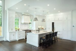 Lovers white painted transitional kitchen 01
