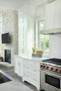 Lovers white painted transitional kitchen 05