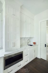 Lovers white painted transitional kitchen 09