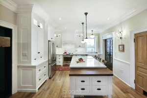 Parkhouse white painted custom kitchen with decorative legs 02